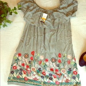 NWT Soprano embroidered flower dress